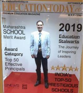 Kartikay-Saini-Chairman-Scottish-High-was-declared-The-Stalwart-Educationist-of-the-Year-2019-6